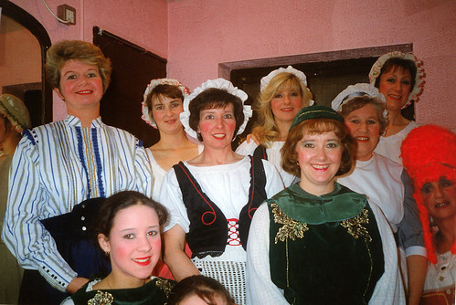 1995 Humpty Dumpty 01 (from left Debbie Woodhouse,Lindsay Hill,Sally Capp,Pauline Milner,American lady,Denise Boyes,Rita Hampton, Linda Ellis,x)