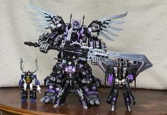Scale comparison. (Jon..Hall) Tags: scale transformers oversized upgrade masterpiece shrapnel insecticon skywarp nerorex