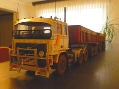 volvo F12 (dirty76) Tags: australian roadtrain italeri amt revell 124 125 heller volvo scania man iveco lkw truck lorry gravel