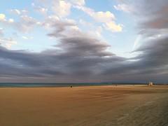Voir venir la nuit... (Reb et Ka) Tags: portlanouvelle summer evening sunset beach