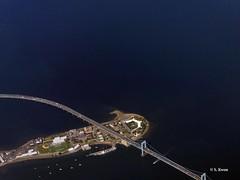 Flying Over the Throggs Neck Bridge (featfannyc) Tags: jetblue jfkairport nyc newyorkcity august2015 sunymaritimecollege stateuniversitynewyorkmaritimecollege throggsneckbridge bronx