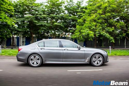 2016-BMW-7-Series-06