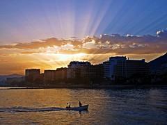 Los rayos del sol (Antonio Chacon) Tags: andalucia atardecer costadelsol marbella mlaga mar mediterrneo espaa spain sunset