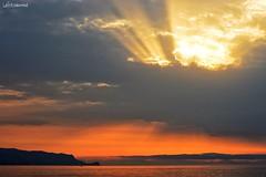 Lealbediannae (lefotodiannae) Tags: lefotodiannae lealbediannae alba ligure cielo mare riflesso luce mattino