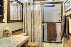 Bathroom 2 (junctionimage) Tags: 456 moreno