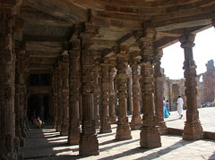 Delhi, Qutb Minar, India (math1404) Tags: india delhi qutubminar 13thcentury qutbminar capitalregion iltutmish victorytower