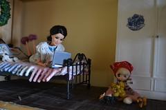 Rachela i Paskuda (pe.kalina) Tags: doll dolls barbie blythe petshop petite dollhouse lps raquelle