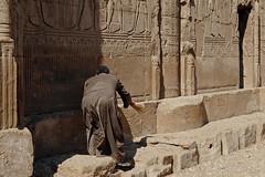 Esana Temple (Zeldenrust) Tags: africa northafrica egypt afrika egipto gypten hieroglyphs hieroglyphics egypte historicplace afrique antiquit esna hiroglyphes historicsite esana misr hiroglief afriquedunord antigedad ancienttimes altertum arabrepublicofegypt oudheid zeldenrust frica legypte hirogliefen edadantigua lgypte noordafrika esanatemple jumhuriyatmisralarabiyah vanzeldenrust hendrikvanzeldenrust