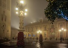 Sevilla en Navidad III (Javier Martinez de la Ossa) Tags: christmas espaa navidad sevilla andaluca spain seville nocturna espagne giralda siviglia plazavirgendelosreyes javiermartinezdelaossa