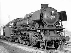 42 145-3 (Snoek2009) Tags: steam oil special blackwhite bw train traffic rails archief locomotive db