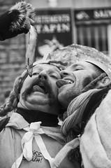 Petite faim (Olivier DESMET) Tags: portrait granville desmet carnaval olivier noirblanc lesgens photosderue olivierdesmet