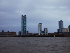 River Mersey (Darren-Holes) Tags: liverpool woodside victoriamonument liverbuilding rivermersey
