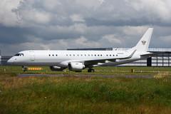 N966MS.STN100716 (MarkP51) Tags: london stansted stn egss bizjet corporatejet aircraft airplane plane image markp51 nikon d7200