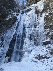 waterfall in tovo (jakubfilo) Tags: winter mountain snow mountains tourism waterfall pod january slovensko slovakia zima mala januar chata chleb alpinism wiew turistika wiews vodopad fatra stoh sutovo sutovsky sramkova chlebom