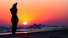 Matalascaas Selfie (Juaberna) Tags: sunset mar sea landscape puesta de sol selfie girl beach playa olympues epl6 samyang 85mm f14 paisaje costa