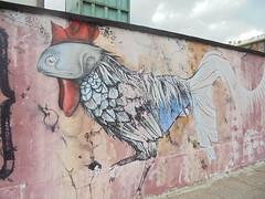 033 (en-ri) Tags: gallo cock pesce fish grigio torino wall muro graffiti writing