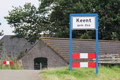 Entering Keent (ragingr2) Tags: keent village limit limits sign signpost noordbrabant entrance brabant oss gemeenteoss uiterwaarden maas