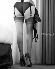 fentre sur cour... (normamisslegs) Tags: bas nylon couture stockings portejarretelles suspenders garters lgance heels talons hauts legs escarpins shoes nb boudoir glamour sensualit sensuelle sensual sduction sensuality soyeux misslegs fetish fminit