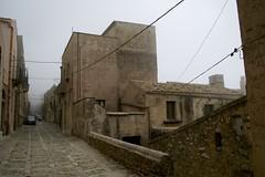 Sicilia - Erice (happylittlecaravan) Tags: sicilia erice borgo medievale trapani nebbia sicily borgomedievale fog happylittlecaravan