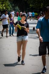 Do I study or go for a walk? (rogeriobromfman) Tags: brasil brazil sopaulo aclimao parque park lendo reading estudando studying caminhando walking exerccio exercise livro book