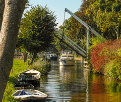 25-Draw Bridge opening for another boat in Broek in Waterland -2-  25Sep16 (1 of 1) (md2399photos) Tags: broekinwaterland hollandholiday25sep16 irenehoevetouristshop monnickendam