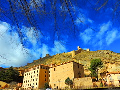 Albarracn (Teruel) (sebastinaguilar) Tags: 2016 teruel aragn castillos fortalezas paisajeurbano rocas acantilado espaa