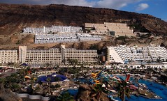 Taurito, Gran Canaria (Rhisiart Hincks) Tags: treflun townscape gweledvakr paysageurbain paisajeurbano stadtbild   kaupunkikuvaan pilstasainava miestovaizdis obrazmsta stadsbeeld   peisajuluiurban aod glanymr kostalde coast cte arfordir seaside taurito gran canaria twristiaeth turismo touristelezh