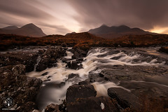 Sligachan River (Antonio Carrillo (Ancalop)) Tags: longexposure sunset skye water clouds canon landscape atardecer scotland agua rocks soft paisaje escocia highland filter le 09 lee nubes canondslr isle rocas graduated density ecosse neutral skyeisland filtro sligachan largaexposicin filtros gnd neutraldensity glensligachan canon1740mm densidadneutra antoniocarrillo sligachanriver lee09 5dmarkii ancalop lucroit