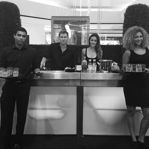 Another great event last night with great staff! #bartenders #servers #events #eventlife #fitim #holidays #hintwater #absolute #vodka #staffing #200ProofLA #200Proof