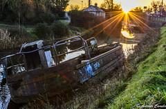Old boat (Antonio Camelo) Tags: bridge sunset sky naturaleza sol water yellow puente atardecer boat canal agua nikon ray barco colours walk c colores amarillo cielo puesta rayos
