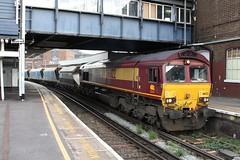 66122 (DennisDartSLF) Tags: london train clapham class66 ews 66122 englishwelshandscottishrailway