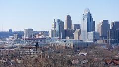 Downtown Cincinnati (Travis Estell) Tags: ohio downtown crane kentucky cincinnati newport cbd centralbusinessdistrict newportonthelevee constructioncrane towercrane carewtower downtowncincinnati taylorsouthgatebridge pnccenter queencitysquare greatamericantower