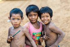 Cambodia (Qicong Lin(Kenta)) Tags: life travel boy portrait people color colour smile children 50mm nikon asia cambodia cambodian child angle brother siem lin angkor interest phnom penh   d600 kampuchea qicong reab