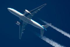 KLM Boeing 777-206(ER) PH-BQF (Thames Air) Tags: klm boeing 777206er phbqf contrails telescope dobsonian overhead vapour trail