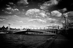 Paris - Pont Alexandre III 2 (nguygrand) Tags: paris seine pont pontalexandreiii laseine pontparis