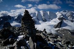 Aussicht Munt Pers. 2014-08-24 (Toni_V) Tags: alps landscape schweiz switzerland europe suisse hiking 28mm rangefinder glacier alpen svizzera gletscher engadin wanderung m9 2014 oberengadin graubnden grisons svizra pizpal diavolezza grischun pizspinas elmaritm steinmannli muntpers 140824 leicam9 valbernina toniv l1018177