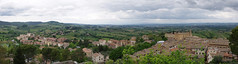 Panorama da San Gimignano (Weneto) Tags: italy panorama green landscape italia pentax tuscany photomerge sangimignano 1855 toscana kx