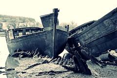 (Marc Le Port) Tags: blackandwhite boat blackwhite noiretblanc pentax n sigma bretagne bateaux nb morbihan wrecks k3 noireetblanc paves golfedumorbihan lebono marcleport