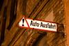 Auto-Ausfahrt (-BigM-) Tags: auto old car sign germany deutschland photography town fotografie alt down schild exit baden hof innenstadt fils bigm württemberg ausfahrt göppingen eislingen filstal