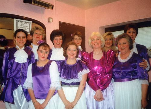 1995 Humpty Dumpty 04 (from left Lindsey Hill,Debbie Woodhouse,Shelley Redgate,Pauline Milner,Denise Boyes,Sally Capp, Joan Carr, American lady, Rita Hampton, Linda Ellis)
