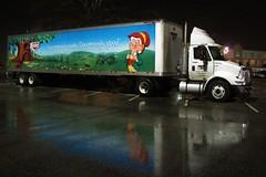 Keebler Truck (Gerry Dincher) Tags: keebler elf cookies tractortrailer rig semi lorry whitetruck kellog crosscreekmall fayetteville northcarolina skiboroad cumberlandcounty usroute401 rain night gerrydincher