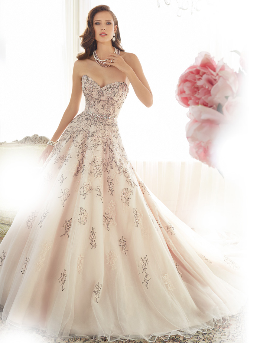 Y11576_Designer-Wedding-Dresses-2015.jpg