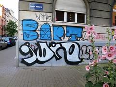 (pod) Tags: brussels streetart graffiti idiot belgium belgique tag bart belgi bruxelles brussel