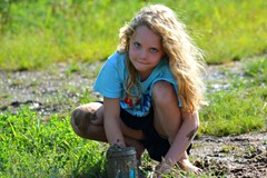 Mudpuddle fun (Jodi Altringer) Tags: play mud mudpuddle messy unplugged kids