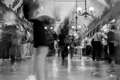 life in krakow <3 (89lilly) Tags: ow cracovia polonia poland city travel viaggio discoverkrakow photography love blackwhite blackandwhite biancoenero bianco nero black white longexposition lungaesposizione mercato tecniques