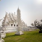 Eblouissant ce temple blanc thumbnail