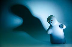 Blue ghost (or the pepper shaker sings) (Zed.Cat) Tags: tabletopphotography blue ghost salt pepper shaker monochrome shadow
