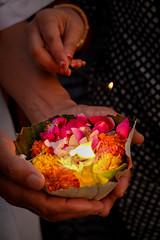 Puja, Rishikesh, Inde (D*C) Tags: india color fire religion sacred hinduism couleur puja feu sacr rishikesh hindouisme