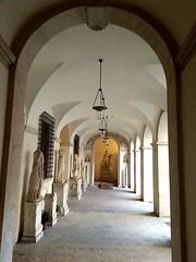 Loggia Cortile - Palazzo Altemps - Roma (collage42 Pia M.-Vittoria S.) Tags: italy rome roma italia museo archi loggia palazzoaltemps arcate