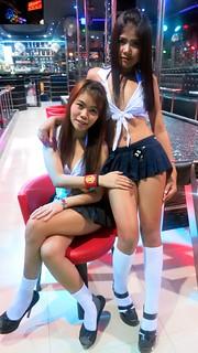 couple bar girls